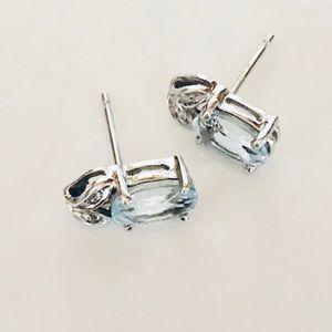 10K White Gold Aquamarine Pierced Earrings